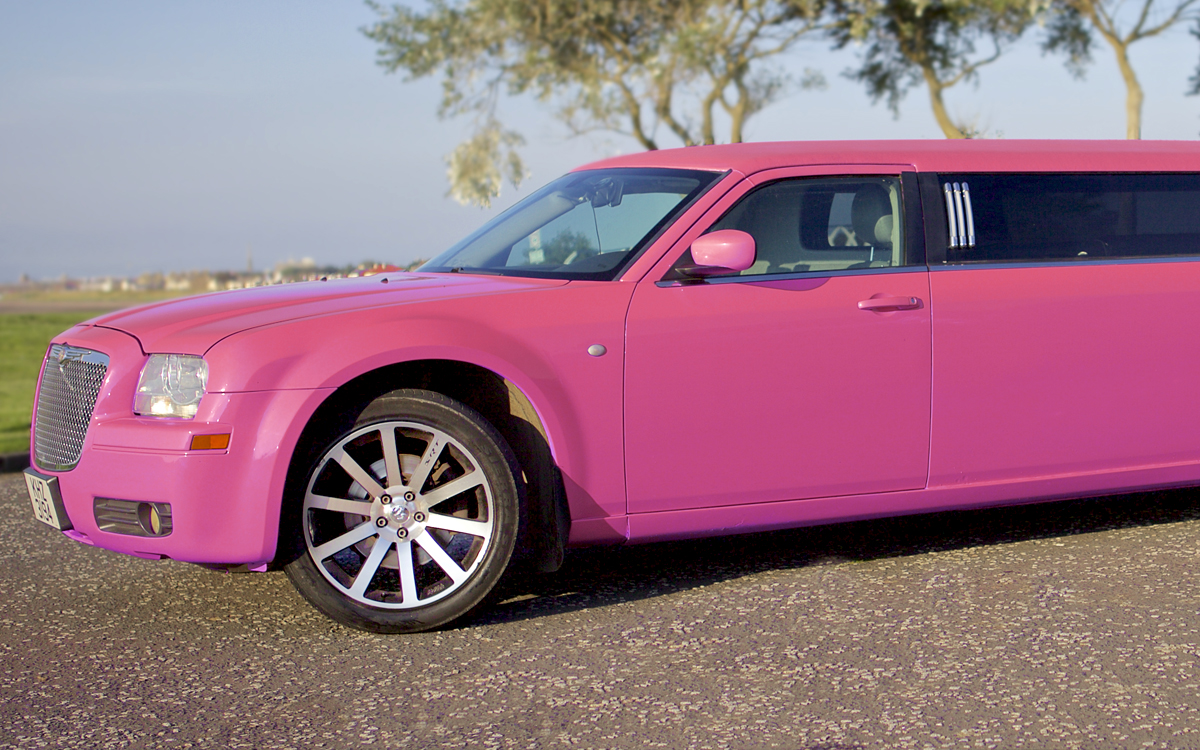 pink limo hire for weddings in glasgow and newton mearns