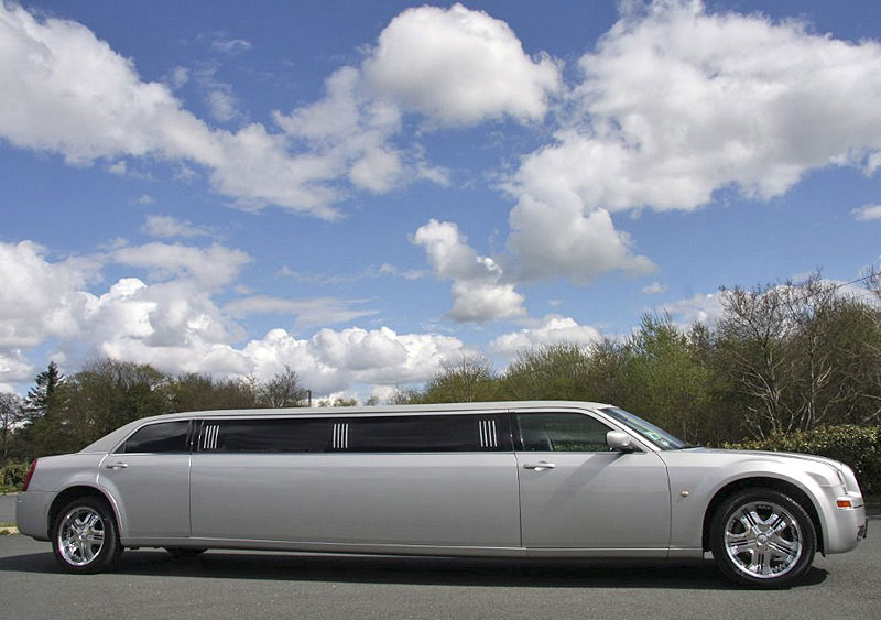 Chrysler baby bentley limousine for weddings and other ocassions