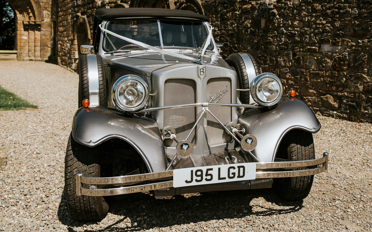 Silver wedding cars in glasgow and renfrewshire